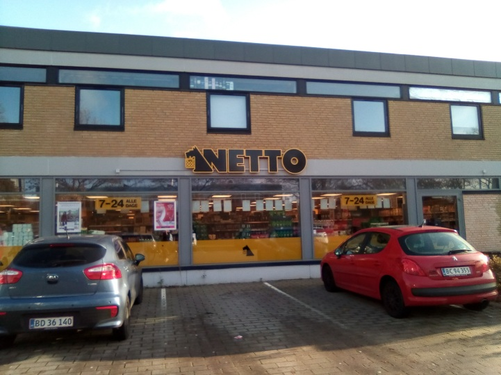 Netto, the college student's grocery store choice, and where much of my food-related and debate-involving Danish lessons have occurred