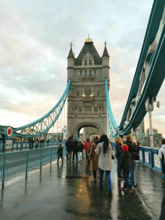 UK_London_Johnson_Ebony_LondonBridge2