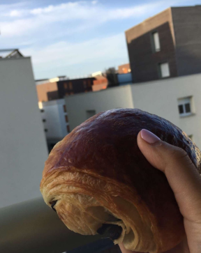 pain au chocolat.PNG
