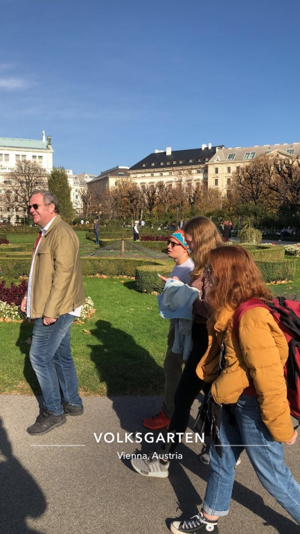 Walking around Volksgarten, public park and flower gardens