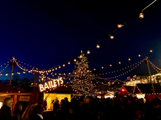 Sechseläutenplatz Christmas Market at night